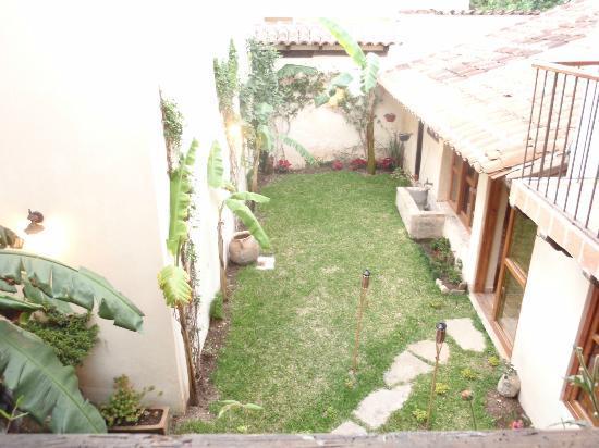 Hotel San Marcos: il piccolo cortile visto dal nostro balcone