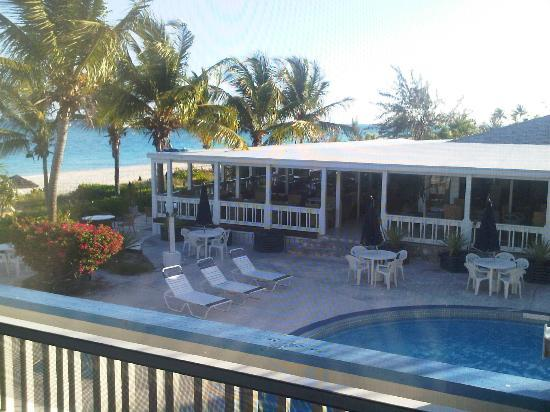 Sibonne Beach Hotel: View of pool and Bay Bistro from our porch