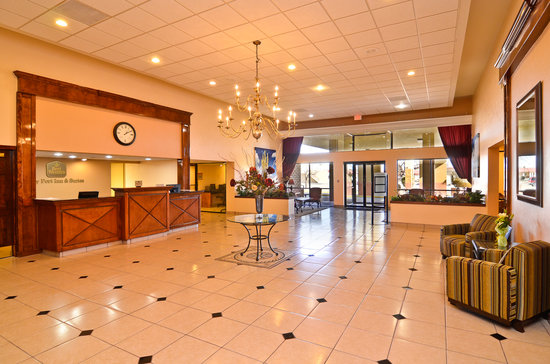 Sally Port Inn & Suites: Lobby