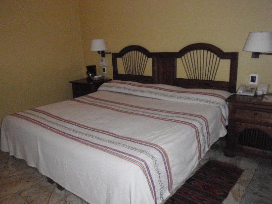 โฮเต็ล ไอทาน่า: un letto molto comodo