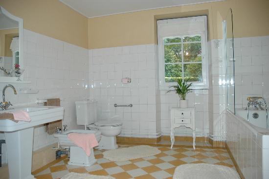 """La Châtaigneraie : Salle de bain de la """"Chasse à Courre"""