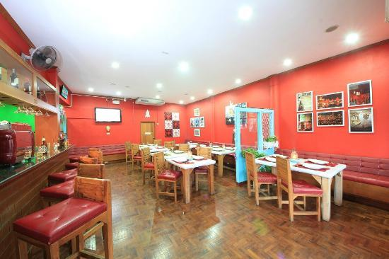 Central Guesthouse: Restaurant