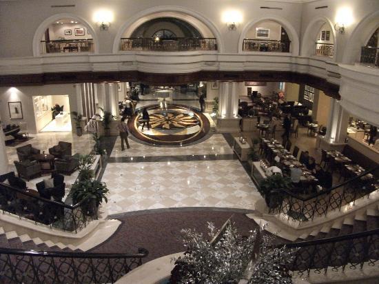 Movenpick Hotel & Apartments Bur Dubai : Reception area