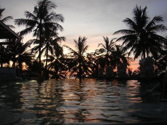 Bali Mandira Beach Resort & Spa: Sunset