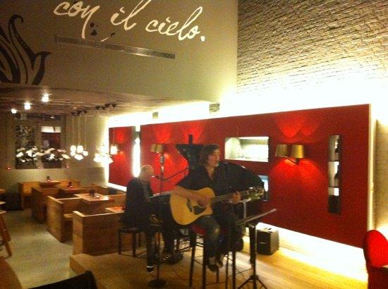 Glenns: live gitar & piano. Voice of Vlaanderen