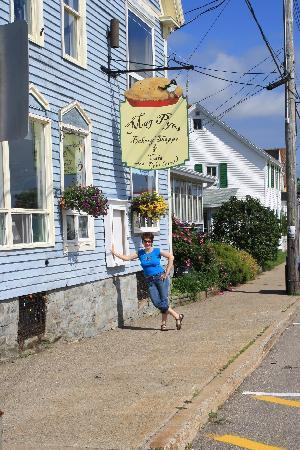 Mag Pyes Bakery Shoppe and Cafe: Mag Pyes 9 Water Street, Digby