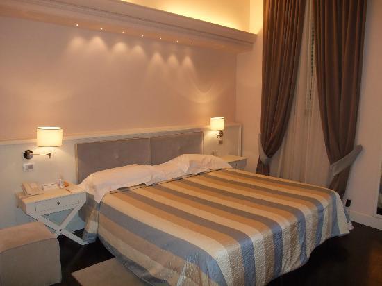Hotel Patria : Stanza