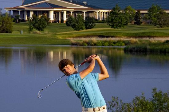 Туника, Миссисипи: No matter how you swing it, Tunica National Golf & Tennis is truly exceptional.