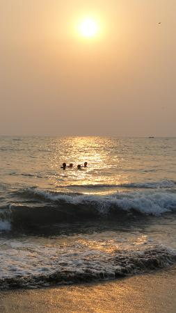 Seaview Resort: Patnem beach at sundown