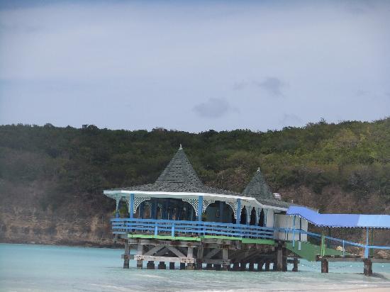 Warri Pier Restaurant: In attractive surroundings