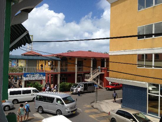 Hemingway Caribbean: Picture Of Hemingways Caribbean Cafe, St