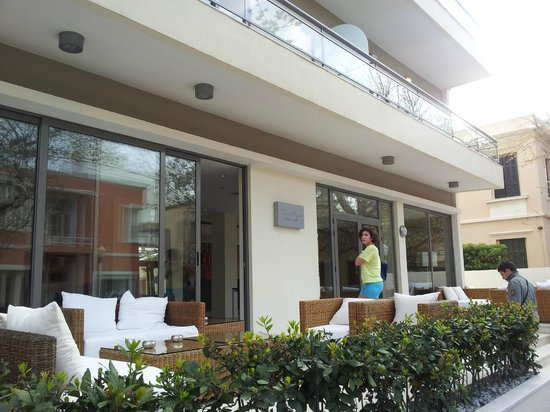 Angela Suites + Lobby: ingresso hotel