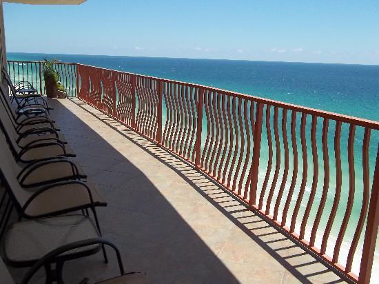 Hidden Dunes Condominiums : 44 ft Gulf front balconies