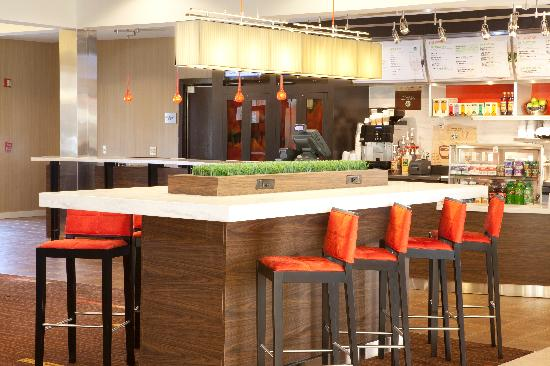 Courtyard by Marriott Durham Duke University/Downtown: Communal table