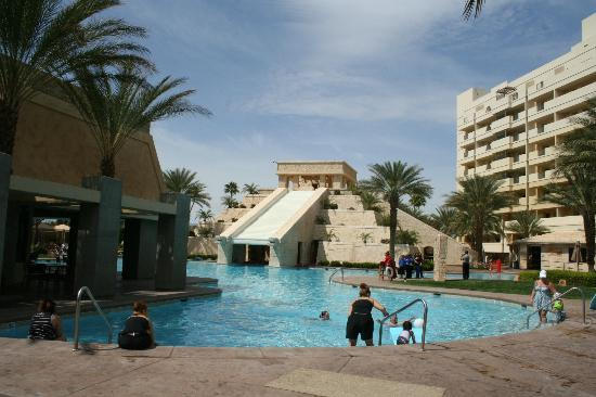En Suite Bathrooms At The Cancun Resort In Las Vegas: Picture Of Cancun Resort, Las Vegas