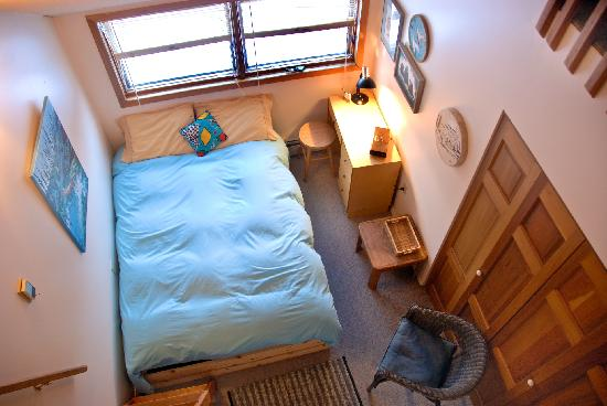 Blue Raven B&B: Blue Mountain Room with loft