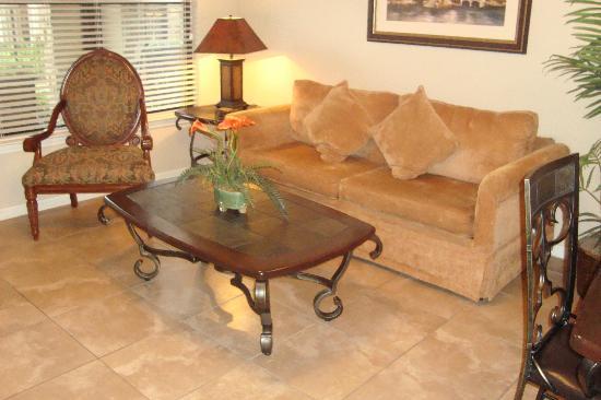 Bella Piazza Condominiums: living room
