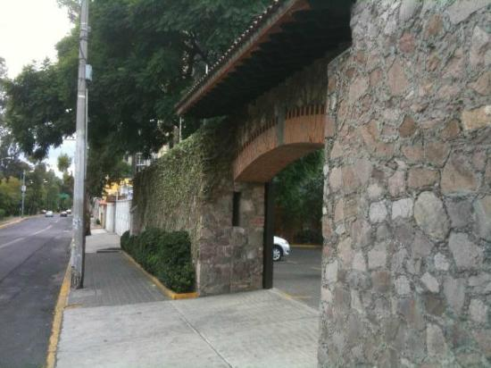 Monte Cristo : Guarded Parking