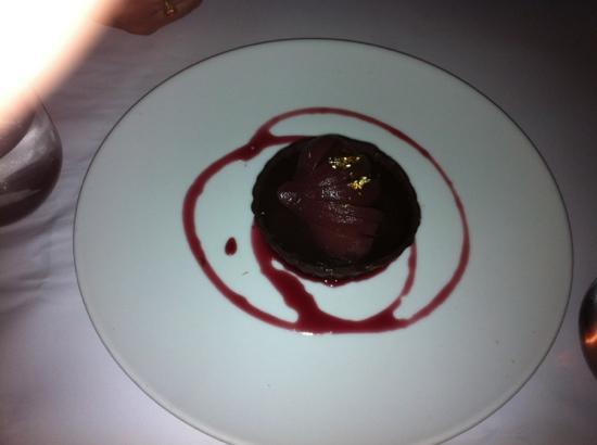 Lindoni's Ristorante: chocolate tart dessert