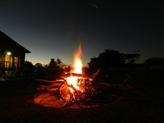 Thandeka Lodge and Spa: Fire fairies