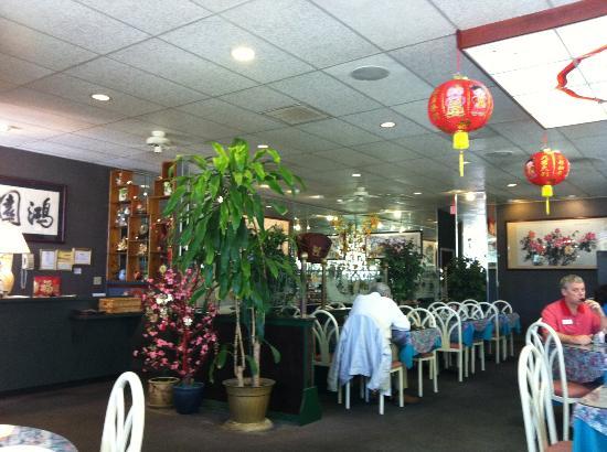 Spring Garden Chinese Cuisine: Dining Room of Spring Garden