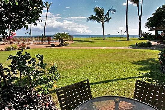 Maalaea Surf Resort: lanai view