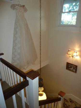 Brenham House Bed and Breakfast: Stairway