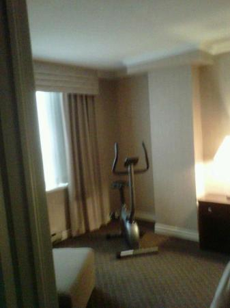 StationPark All Suite Hotel: work out on a bike in your suite