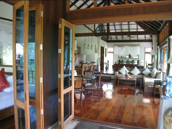 Koh Jum Beach Villas: Living Area in Baan Nest