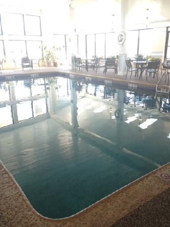 Hyannis Travel Inn: pool