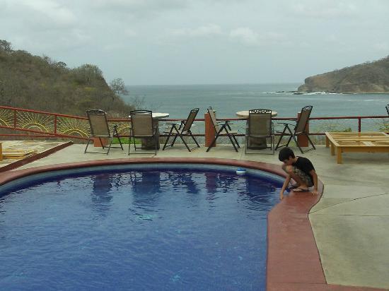 Casa Del Soul: Piscina con vista al mar