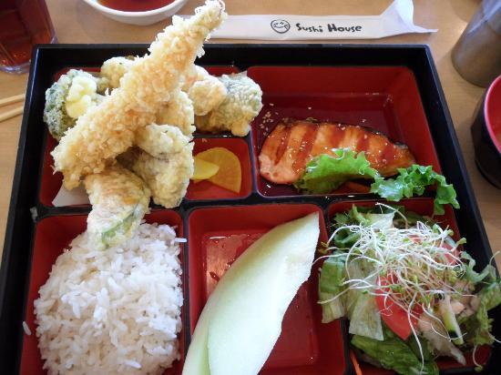 Sushi House: 2 item Bento