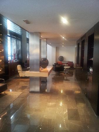 AC Hotel Irla: lobby