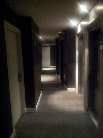 AC Hotel Irla: corridor