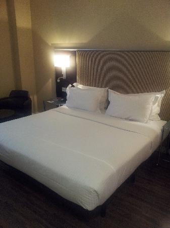 AC Hotel Irla: bed
