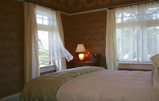 The Jabberwock Inn: Jabberwock Inn - Monterey Bed and Breakfast
