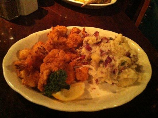 Pappadeaux Seafood Kitchen: shrimp and Mashed potato