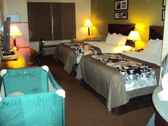 Sleep Inn & Suites: Good sleeps had by all!