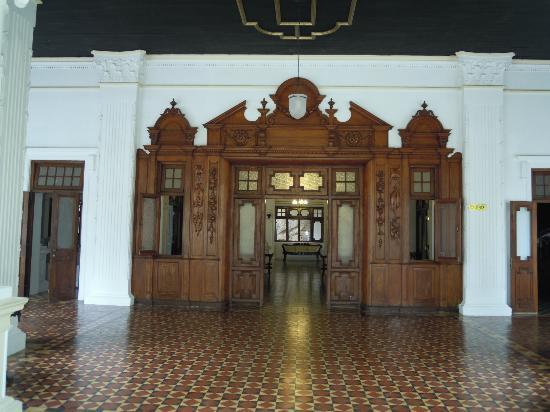 The Mansion: ingresso
