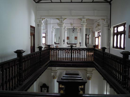 The Mansion: sale interne