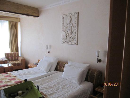 Hotel Defne Ana: zimmer
