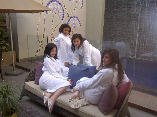 The Pyramid Day Spa : Me and my Girls.