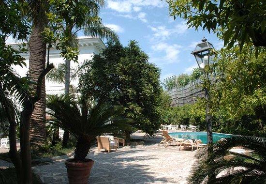 Relais Villa Savarese: Park