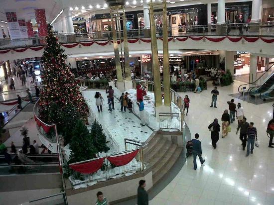 Deira City Center Shopping Mall : Christmas eve
