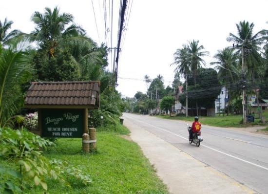 Bang Po Village: Village sign on the main road