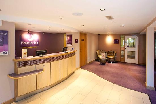 Premier Inn Inverness West Hotel: Reception