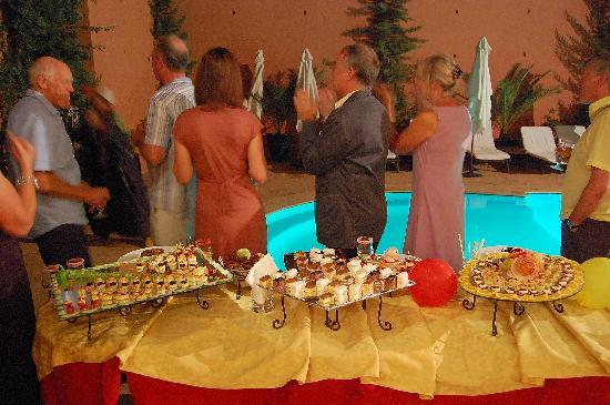 Les Borjs de la Kasbah restaurant: Drinks and a selection of canapés for a private party by the pool.