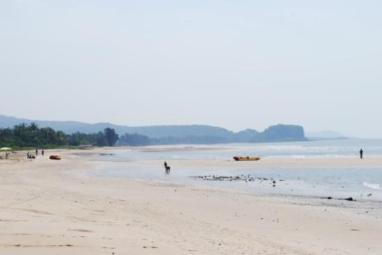 Kashid Beach: Other end of beach