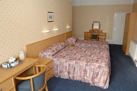 Bayshore Hotel: Clean and comfortable bedrooms