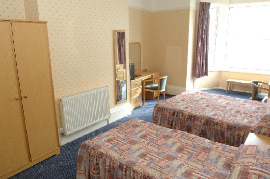 Bayshore Hotel: Light and spacious rooms